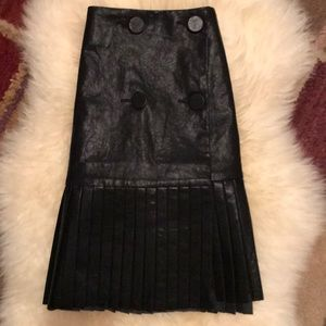 ZARA NWOT Faux Leather Mini w/Pleats